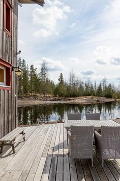 Perfect Scandinavian style small house, located in the middle of nature. Wooden elements, rustic details and romantic decor bring this beauty to the next level Small Wooden House, Perfect Peace, Water Pond, Joy Of Living, Scandinavian Style, Rustic Wood, My Dream Home, Outdoor Living, Clear Spring