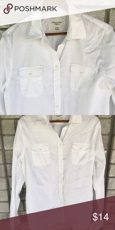 Women's XL White Blouse Excellent condition• Extra Large• American eagle outfitters• white button up• Like New American Eagle Outfitters Tops Button Down Shirts