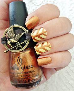 The Hunger Games Challenge District 9 : Grain China Glaze - Harvest Moon n°80621 Biguine - Jaune pastel n°23515