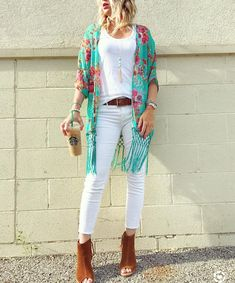 Floral kimono with fringe // cover up with fringe // THELILLIEBAG.com