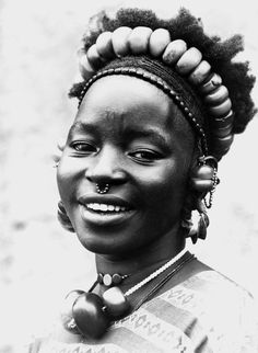 Africa | Sommono woman. Djenne, Mali | Scanned postcard; publisher Labitte. Prior to 1940