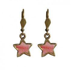 """Die zuckersüsse Ohrhänger """"Star"""" in Rosé aus dem Hause """"Rock around my neck"""" zaubern dir einen traumhaften Blickfang an deinem Ohr."""