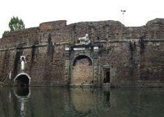 """Visite guidate gratuite con """"Le mura disvelate"""" http://www.hotel-padova.com/visitare-padova-giornata-scoperta-mura-rinascimentali/"""