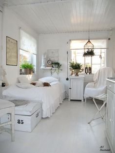 We <3 Home Design — Guest Bedroom. White, Grey, Black, Chippy, Shabby...