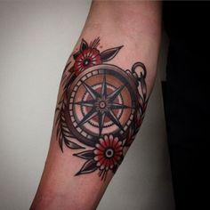 50 small compass tattoos for men - design ideas for navigation inks - . - 50 small compass tattoos for men – design ideas for navigation inks – cool small compass-old sc - Popular Tattoos, Trendy Tattoos, Tattoos For Guys, Tattoos For Women, Cool Tattoos, Traditional Compass Tattoo, Traditional Tattoo Man, Traditional Design, Traditional Nautical Tattoo