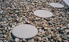 White Marble Landscape Rock White Marble Chips With Round Patio Stepping Stones