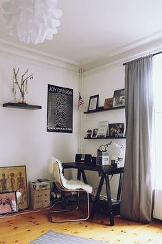 apartment - floor, walls, drapes