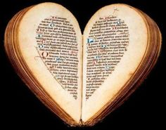 The little book of hours of Amiens Nicolas Blairie, carefully written on a thin Ruling rose, but modestly decorated with some original illuminations in ink has the curious shape of an almond when it is closed. When it opens, the two halves of the almond bloom to fit the contours of a heart, concrete evocation of the heart of the person praying the prayer that opens.