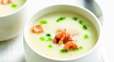 Snijd de uien en geschilde asperges in schijfjes. Bak in wat boter op een matig vuur in een grote kookpot. Snijd de geschilde aardappelen in dobbelstenen van 3 cm op …