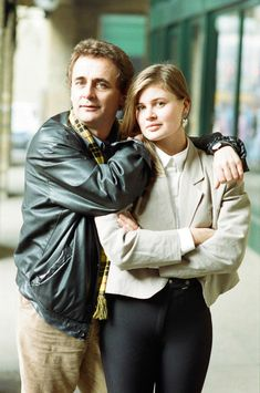 Stock Photo - Dr Who, Sylvester McCoy with his assistant Ace alias Sophie Aldred during a BBC photocall to promote the new series of Doctor Who. Doctor Who Cast, Eleventh Doctor, Disneysea Tokyo, Sylvester Mccoy, Classic Doctor Who, Doctor Who Companions, The Rouge, Torchwood, David Tennant