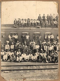 World War 1 recruits before leaving on train