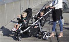 Une poussette double pour vos jumeaux aussi pratique qu'une poussette simple ? Ne cherchez plus : la 2 Combi de Topmark mesure seulement 55 cm de largeur. Vous combinez les sièges, nacelles et sièges-auto comme vous le souhaitez pour que vos petits bouts y soient bien installés. Et son guidon télescopique vous permet de la guider facilement.
