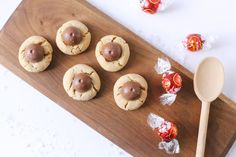 Christmas Chocolate Truffle Cookies by @cydconverse