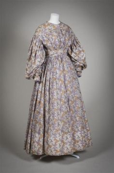 Dress1830-1833Gemeentemuseum