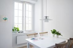 Kitchen dining table - ESNY - Eklund Stockholm New York