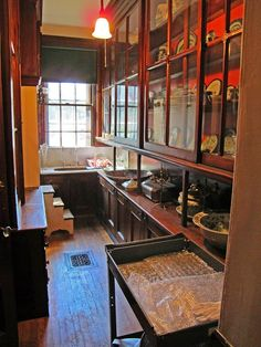 Take a look at this important graphic and browse through today critical information on Remodeling an Old House Kitchen Butlers Pantry, Butler Pantry, New Kitchen, Square Kitchen, Kitchen Ideas, Victorian Interiors, Victorian Homes, Victorian Kitchen, Vintage Kitchen