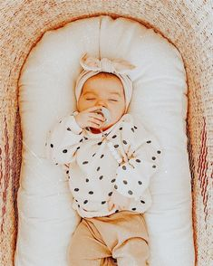 ☆ dm for pic credit ☆ Cute Little Baby, Cute Baby Girl, Little Babies, Cute Babies, Lil Baby, Hipster Baby Clothes, Cute Baby Clothes, Cute Baby Pictures, Baby Photos