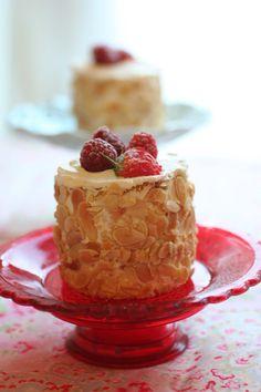 bolo sponge de aniversário