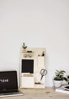 DIY Desk Organizer by Caitlin of The Merrythought, via Poppytalk