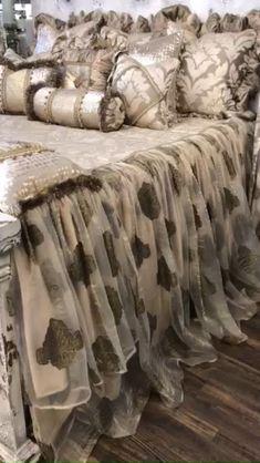 Black Bed Sheets, Silk Bed Sheets, Bedroom Colors, Diy Bedroom Decor, Dream Furniture, Modern Furniture, Furniture Design, Luxury Bedding Collections, Luxury Bedding Sets