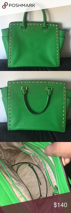 REDUCED❗️LIMITED ED. Michael Kors Studded Selma 100% authentic. Gorgeous Kelly Green color. Color is actually called Palm. This is the largest size ever made. Can fit my iPad and notebook/clipboard. This color in this size is hard to find like the pomegranate color. Has some stains inside that I have tried to clean but are still present.. I'm sorry No trades, no holds, I need the cash!! No missing studs. There is a thread coming undone on handle. Comes with detachable crossbody strap and…