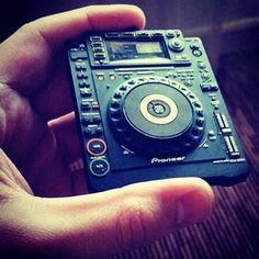 Pocket size Pioneer turntable and mixer #flashdjcom
