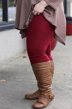 Fleece Lined Leggings in Burgundy {Curvy}