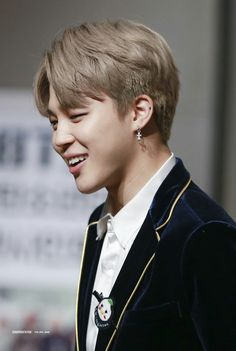 Jimin ❤ BTS at the Gimpo Fansign #BTS #방탄소년단
