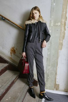 Louis Vuitton Pre-Fall 2015 Fashion Show Fashion Week, Fashion Show, Fashion Design, Fashion Trends, Louis Vuitton, Street Style, Vogue Australia, Paris, Catwalks
