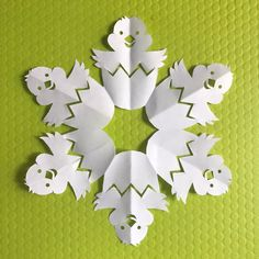 Templates — News — Paper Snowflake Art Easter Art, Easter Crafts, Holiday Crafts, Fun Crafts, Diy And Crafts, Crafts For Kids, Paper Snowflake Template, Paper Snowflake Patterns, Snowflakes Art