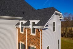 While looking forward to select the right fiber cement siding there are a few considerable facts. Here presenting a buyers' guide for you to clear all your questions regarding siding choice. #JamesHardieSiding #FiberCementSiding
