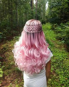 7 lovely Rose Gold Hair Color for you : Have a look! You deserve some amazing Rose Gold Hair Color for your long hair. So, regarding that, we have gathered some lovely Rose Gold Hair Color suggestions only for you. Gold Hair Colors, Hair Dye Colors, Cool Hair Color, Pretty Hairstyles, Braided Hairstyles, Fairy Hairstyles, Hairstyle Ideas, Pinterest Hair, Pink Hair