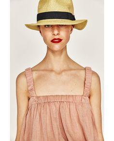 Imagen 5 de TOP TIRANTES CROPPED de Zara