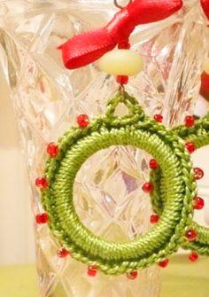 ~~FREE PATTERN~~ Christmas Earrings
