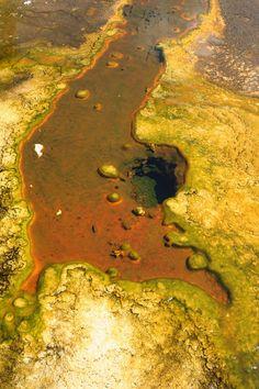 Yellowstone, Yellow Geyser by dehub.
