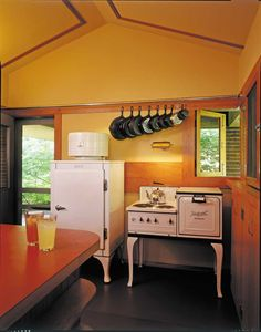 Frank Lloyd Wright's Willey House, 1934—functional vintage appliances from the 1930s