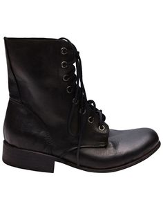The perfect neo-combat boot?