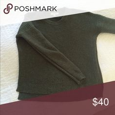 Madewell sweater Forest green Madewell sweater xs, great condition Madewell Sweaters Crew & Scoop Necks