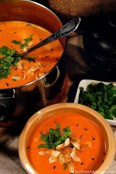 Aromatyczna zupa pomidorowo-kokosowa Souped Up, Soups And Stews, Thai Red Curry, Soup Recipes, Dinner, Cooking, Ethnic Recipes, Food Ideas, Create