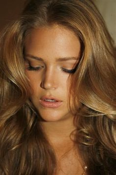 carmel golden brown hair color, perfect for fall/summer