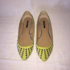 Bright green/chartreuse studded flats Cute pointed studded flats from F21. Pretty and bright chartreuse green. Only worn once indoors. Forever 21 Shoes Flats & Loafers