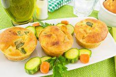 A cenoura é um dos alimentos mais benéficos para a saúde, roca em vitamina A e minerais. Anote essa receita para agradar toda a família, inclusive crianças. http://www.eusemfronteiras.com.br/mantenha-a-saude-em-dia-com-o-sufle-de-cenoura-com-queijo/ #eusemfronteiras #receitas #suflê #cenouracomqueijo
