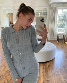 Hayley Bieber, Justin Bieber Smile, Justin Bieber Pictures, Hailey Baldwin Style, Bella Hadid Style, Natural Makeup Looks, Hollywood Star, Girl Crushes, 90s Fashion