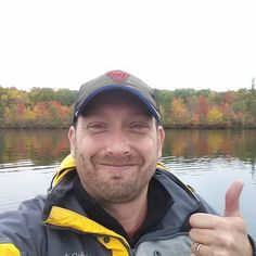 I love autumn....got to escape for a bit to the cottege this week.  The trees are starting to change colors. #letsgetyoufree #cottege #canada #canadian #picoftheday #stayathomedad #entrepreneur #life #fam #blessed #gratitude