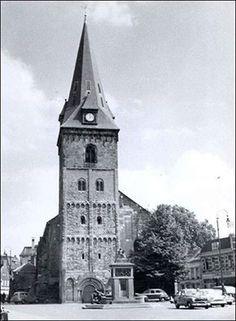 Enschede, Grote Kerk, Monument stadsbrand, Oude Markt