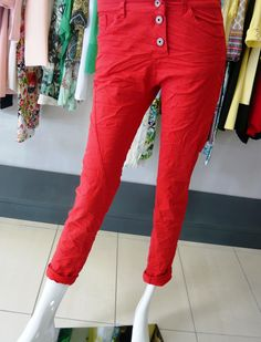 color your summer, red pants and green .. nuovi arrivi pantaloni verdi con tasconi laterali €42 pantaloni rossi €34 .... ‪#‎spring‬ ‪#‎summer‬ ‪#‎collection‬ 2015 .... ‪#‎swagstoretimodellalavita‬ ‪#‎swagstore‬ ‪#‎swag‬ .. ‪#‎love‬ ‪#‎fashion‬ and ‪#‎selfie‬ .... ‪#‎sandonadipiave‬ ‪#‎jesolo‬ ‪#‎venezia‬