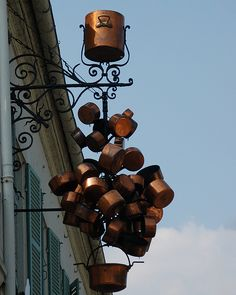 Copper pots - restaurant sign in Louveciennes  #TuscanyAgriturismoGiratola