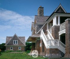 In design, as in life, the difference between good and great is the attention to detail. Shingle Style Architecture, Southern Architecture, Shingle Style Homes, House Plans Mansion, East Hampton, Coastal Homes, Exterior Design, The Hamptons, Beautiful Homes
