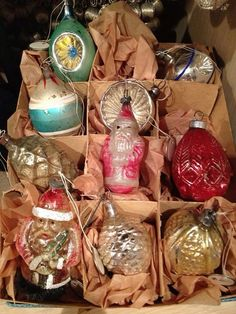 CHRISTMAS SURPRISE! Finding a box of vintage CHRISTMAS ornaments where you least expect them!