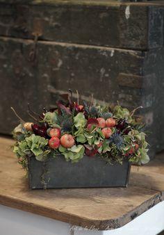 ' Art de la Fleur ' Floral , flowers , Angelique Temmink Waalboer , Autumn wreath , Fall Herfstkrans , Bloemschikken , Workshop.moss , Hortensia , Hydrangea,. www.artdelafleur7.nl